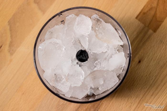 Si tenéis lima, hierbabuena, azúcar moreno, soda y ron, estáis a tiempo de cambiar de receta
