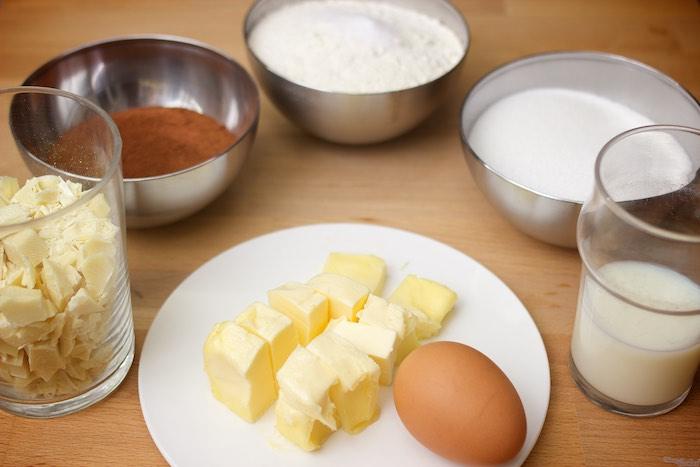 Una receta sencilla. Ingredientes sencillos. Ni trampa ni cartón, sólo el de los huevos.
