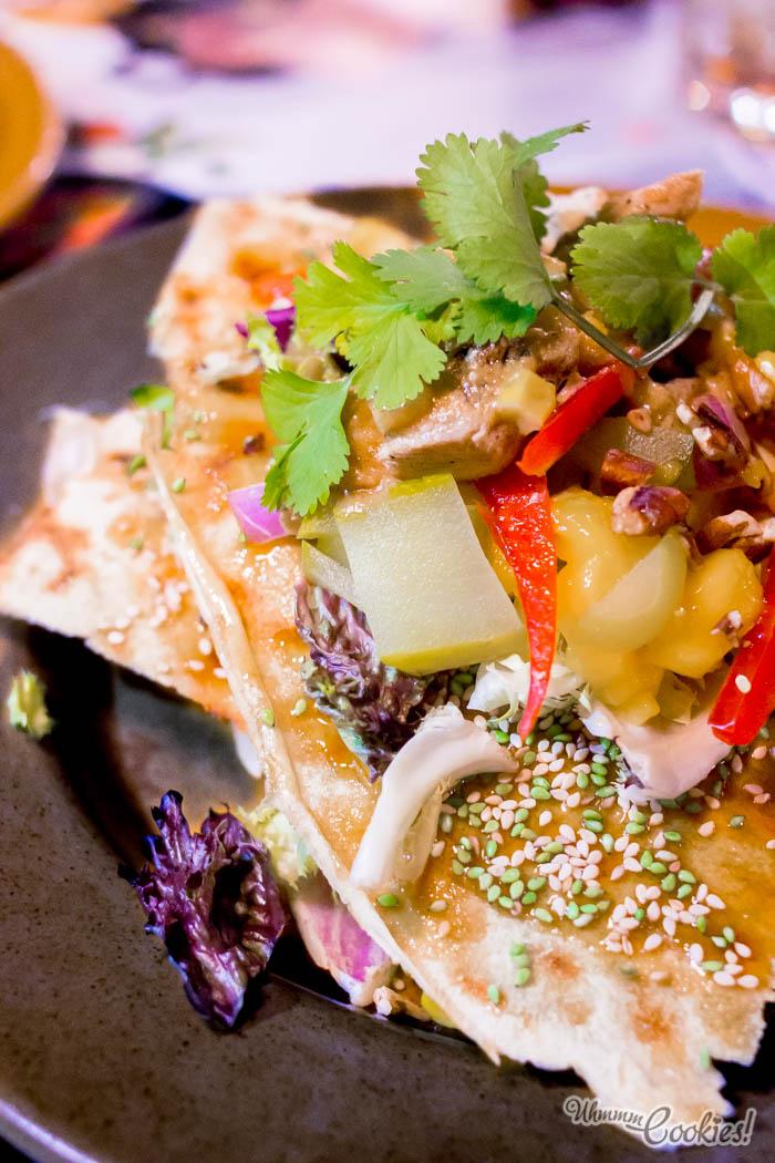 A ver como os coméis esta «Maui Salad», valientes. Y no, -con mucho cuidado- no nos vale.