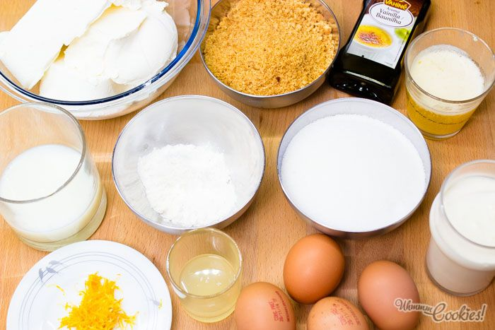 Despliegue estratégico de los ingredientes para preparar la tarta New York Cheesecake